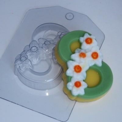 8 марта - Нарциссы по диагонали, форма для мыла пластиковая